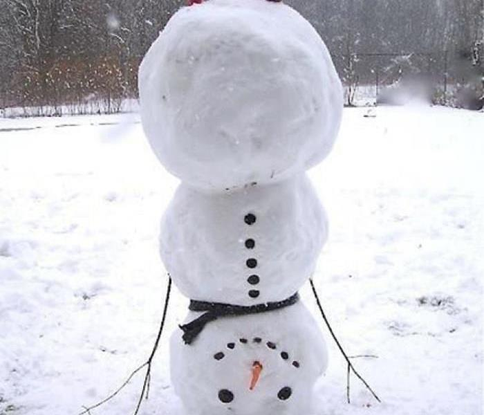 one upside down snowman